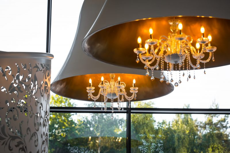 lampa krysztalowa, lampa na zamówienie, Black Swan Studio,biała lampa