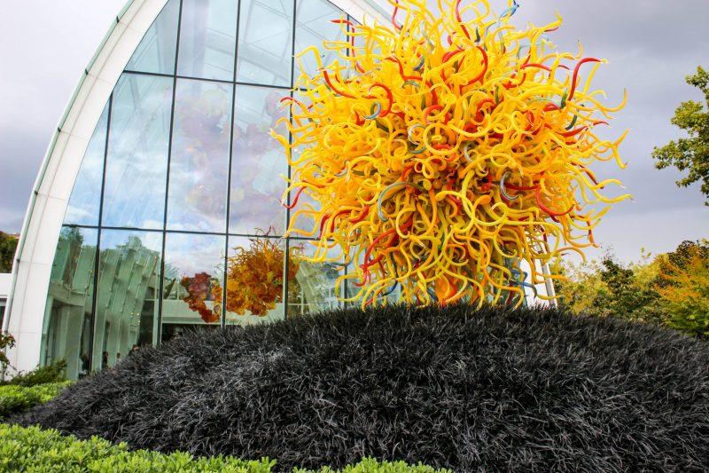 szklana rzeźba, szklana instalacja, artystyczna rzeźba ze szkła