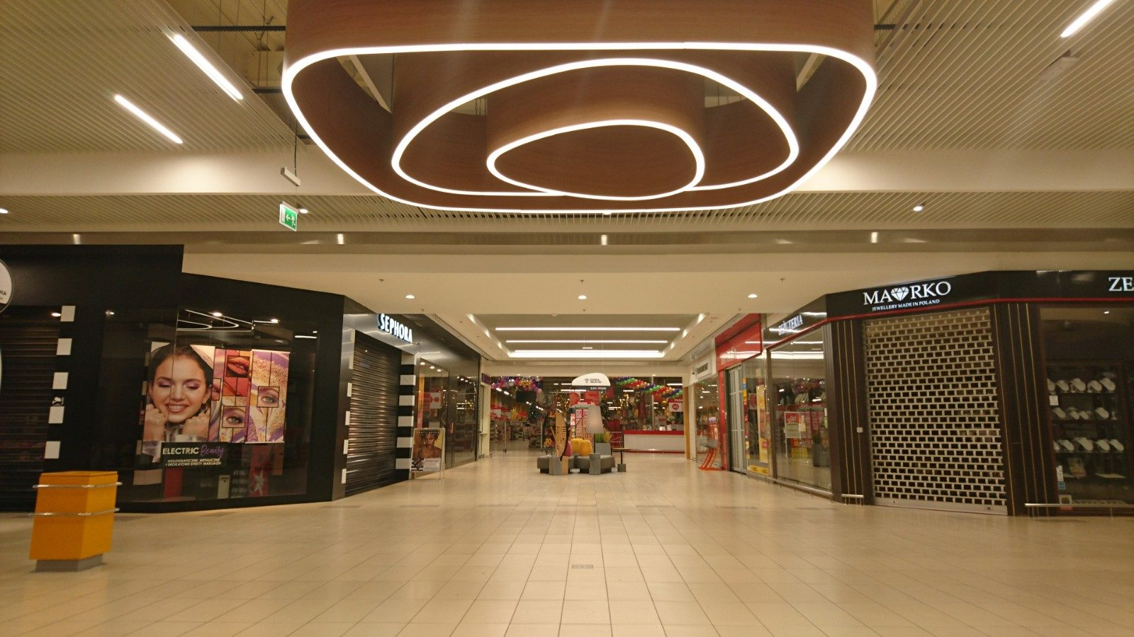 lamp for shopping malls DELOS by BLACK SWAN STUDIO